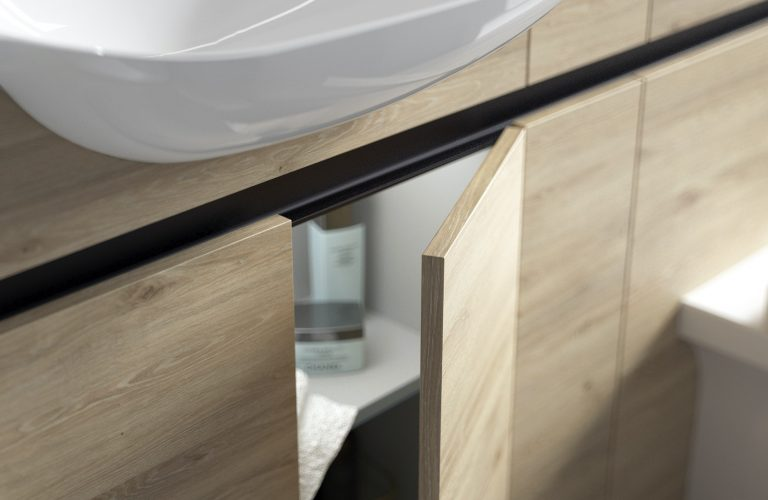 Contemporary Fitted Washed Oak Cameo (1)