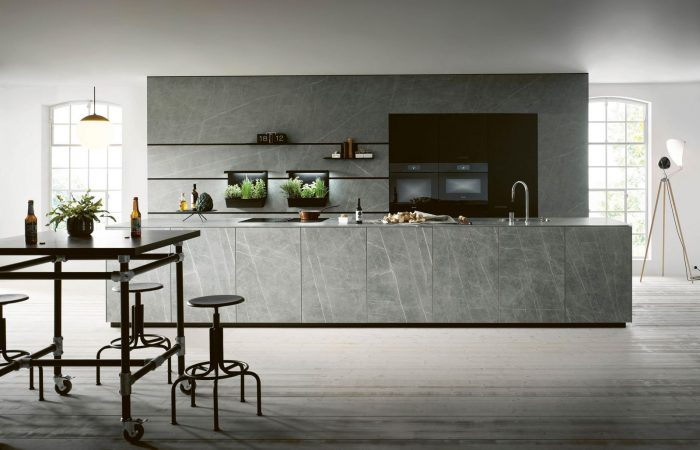NX-950-Ceramic-marble-grigio-effect-Glass-matt-onyx-black